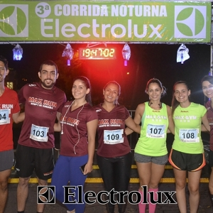 3-corrida-noturna-reuniu-mais-100-atletas-109-11