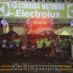 3-corrida-noturna-reuniu-mais-100-atletas-109-12