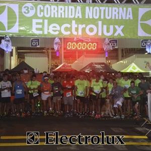 3-corrida-noturna-reuniu-mais-100-atletas-109-13