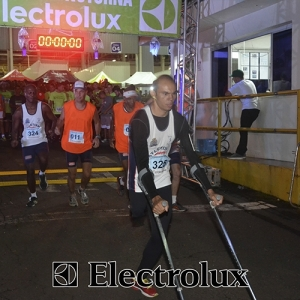3-corrida-noturna-reuniu-mais-100-atletas-109-15