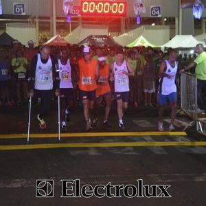 3-corrida-noturna-reuniu-mais-100-atletas-109-18