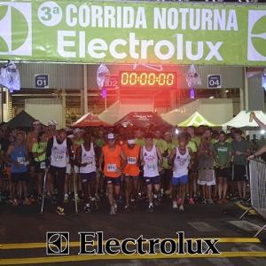 3-corrida-noturna-reuniu-mais-100-atletas-109-20