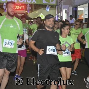 3-corrida-noturna-reuniu-mais-100-atletas-109-22
