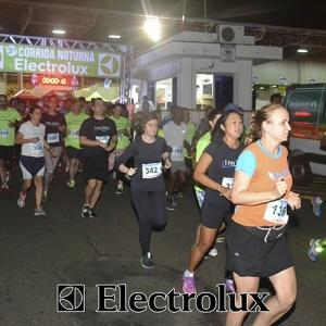 3-corrida-noturna-reuniu-mais-100-atletas-109-24