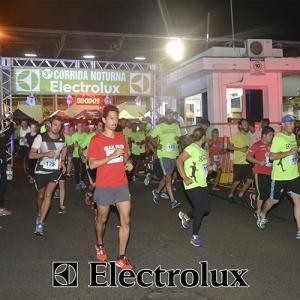 3-corrida-noturna-reuniu-mais-100-atletas-109-27