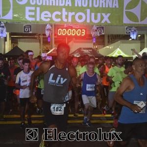 3-corrida-noturna-reuniu-mais-100-atletas-109-28