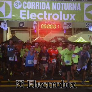 3-corrida-noturna-reuniu-mais-100-atletas-109-29