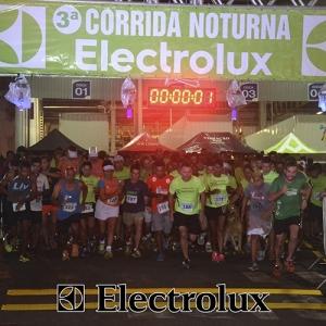 3-corrida-noturna-reuniu-mais-100-atletas-109-31