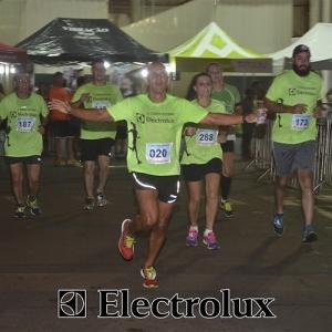 3-corrida-noturna-reuniu-mais-100-atletas-109-36