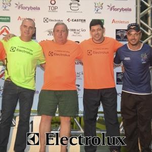 3-corrida-noturna-reuniu-mais-100-atletas-109-46