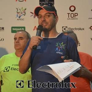 3-corrida-noturna-reuniu-mais-100-atletas-109-48