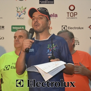 3-corrida-noturna-reuniu-mais-100-atletas-109-49