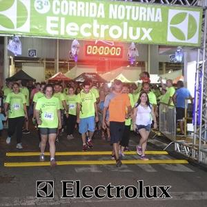 3-corrida-noturna-reuniu-mais-100-atletas-109-5
